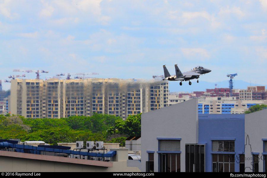 F15SG_landing