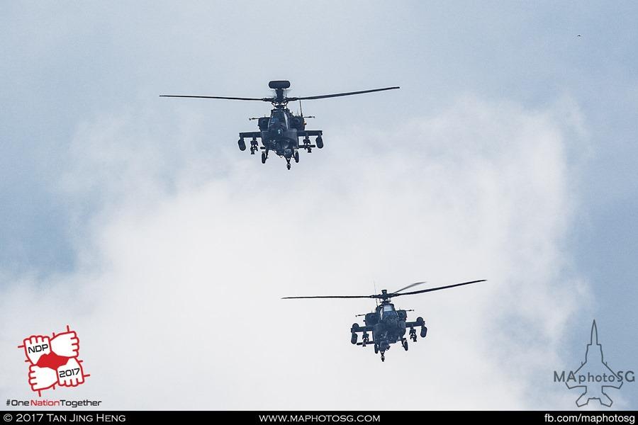 Pair of AH-64D Longbow Apaches