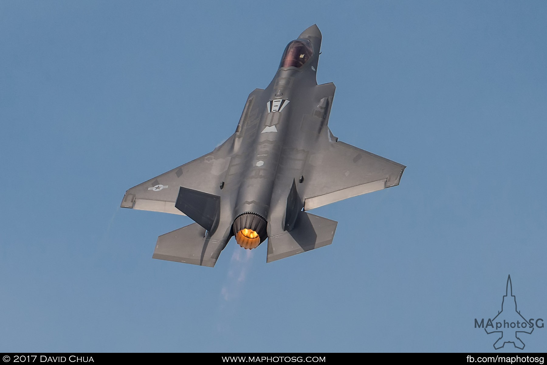 4. This is the first time that the Lockheed Martin F-35A performed an aerial demonstration display at any airshow. The demo was designed by Lockheed Martin and USAF to show off the capabilities of this 5th Generation Aircraft.