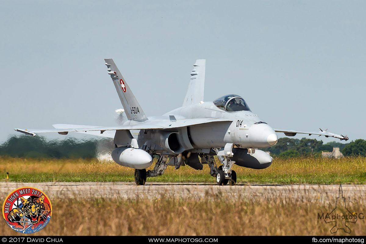 Swiss Air Force Fliegerstaffel 11 F/A-18C Hornet (J-5014)