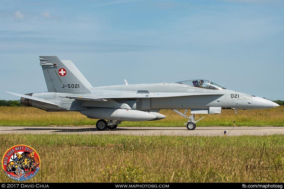Swiss Air Force Fliegerstaffel 11 F/A-18C Hornet (J-5021)
