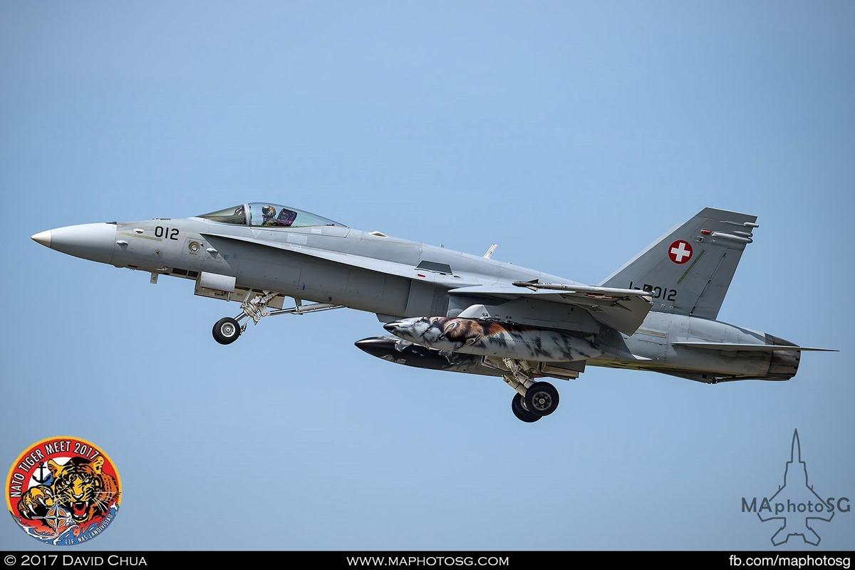 Swiss Air Force Fliegerstaffel 11 F/A-18C Hornet (J-5012)