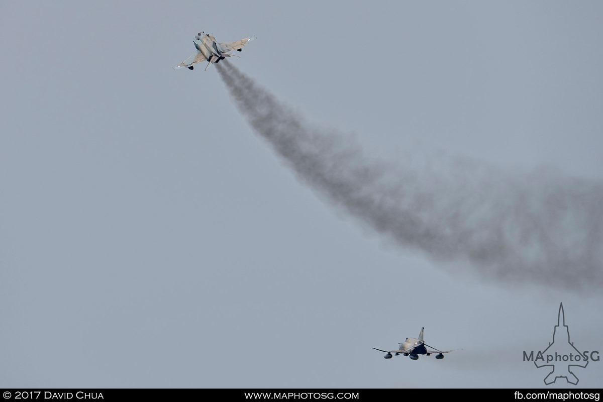 Both Phantoms of the 338 MIRA airborne