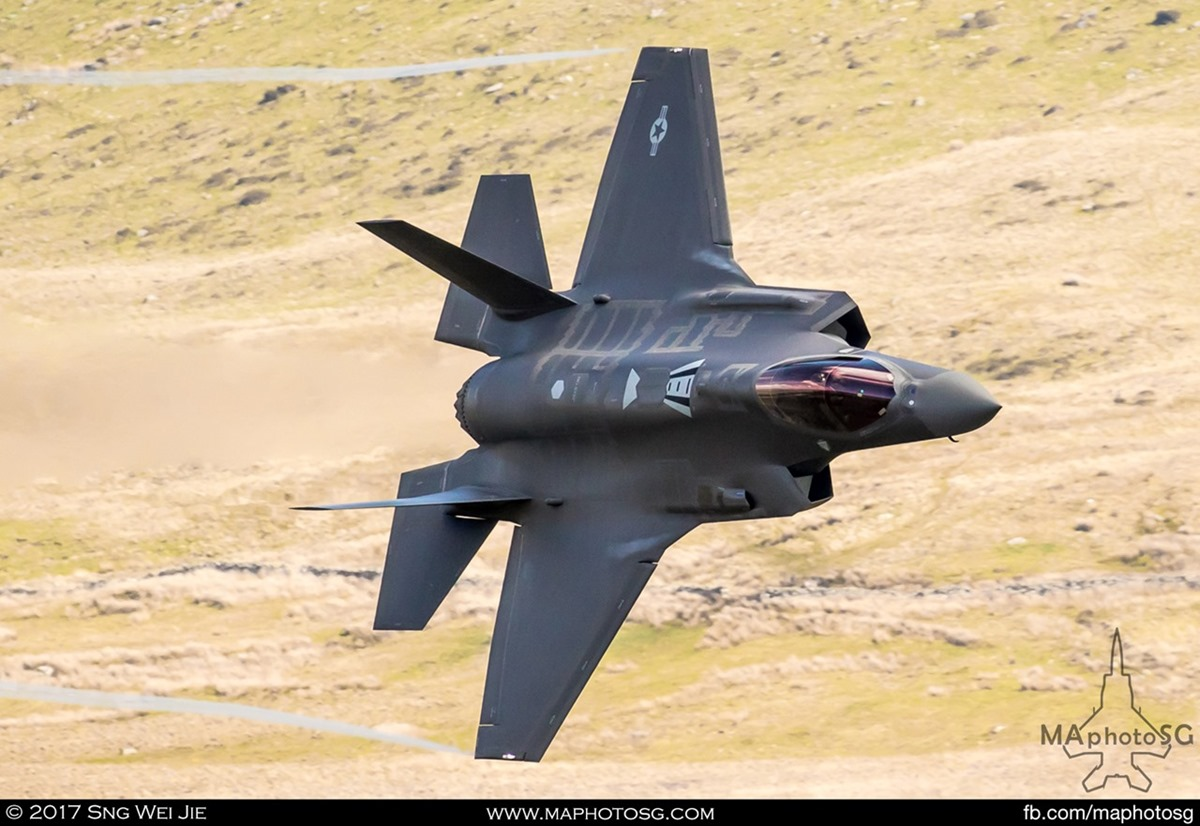 USAF F-35A Lightning II makes it's appearance in the Mach Loop
