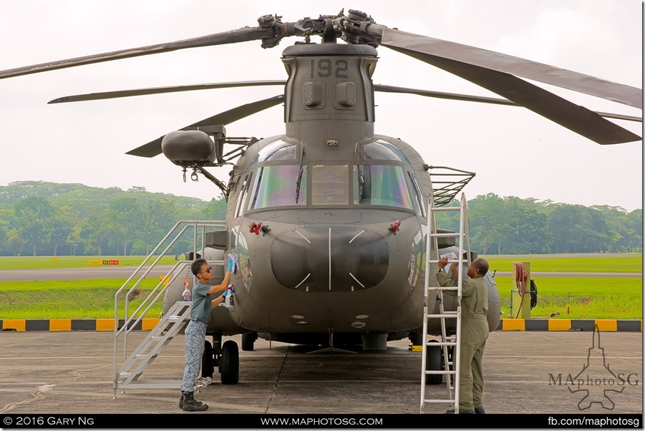 CH-47D crew put the finishing touches in preparation for the RSAF Open House 2016