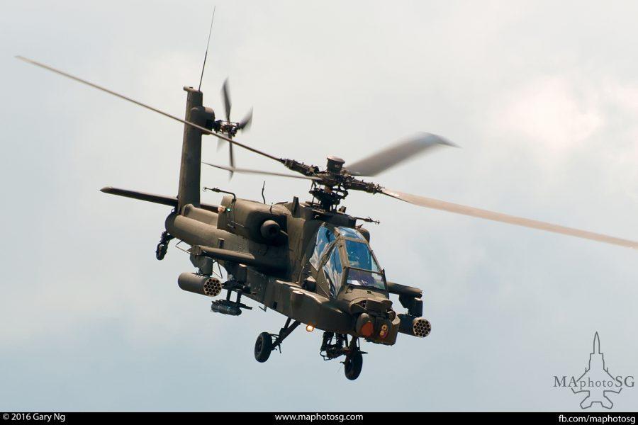 A Boeing AH-64D Apache Longbow simulates an attack run, RSAF Open House, Paya Lebar Airbase, August 2008