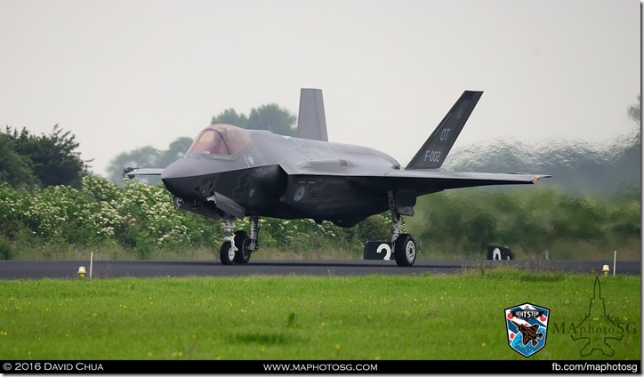F-35A (F-002) Taxiing for take off