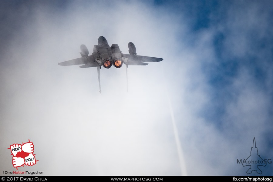 F-15SG Exiting the show centre with afterburners