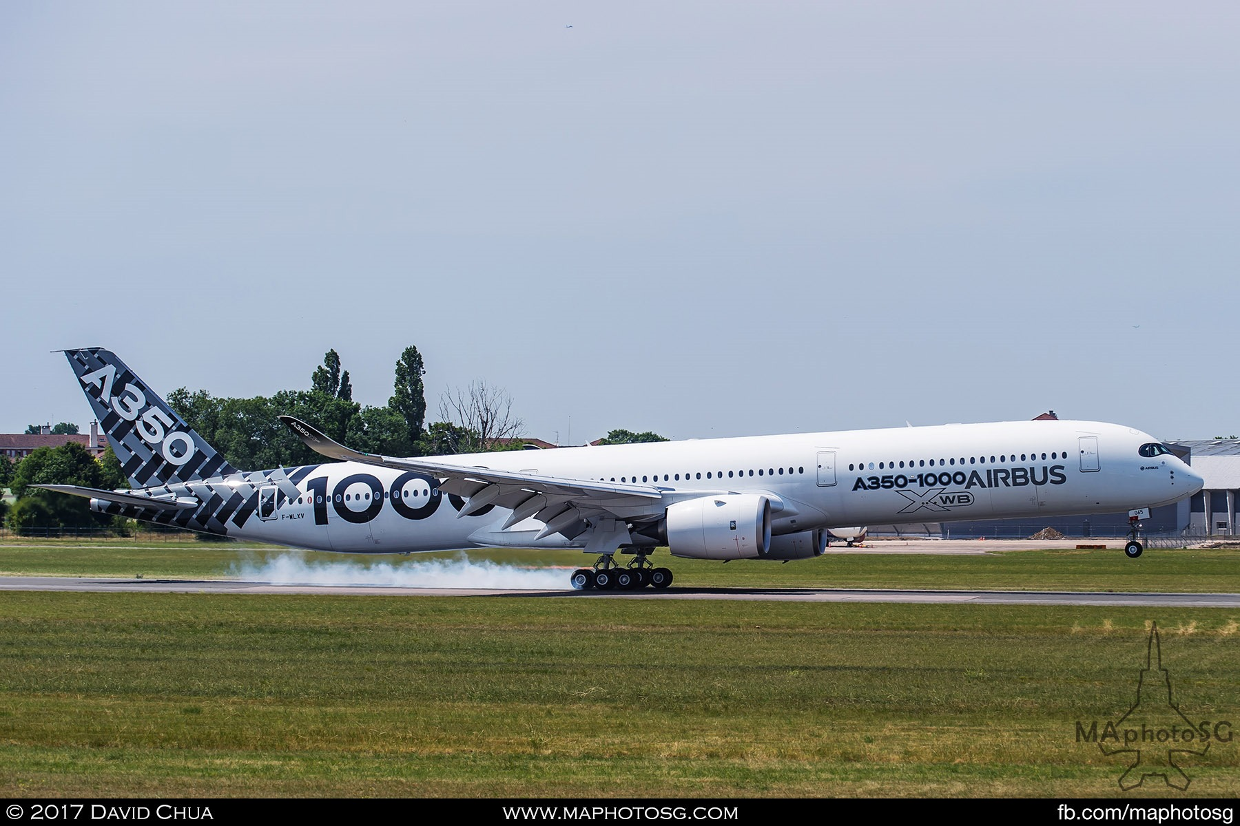 36. Having completed it's aerial display, the Airbus A350-1000 touches down at Le Bourget.