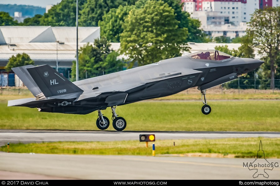 F-35A Lands back at Le Bourget Airport