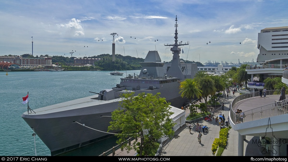 A RSN Formidable class frigate berthed at Harbourfront during RSN50@Vivo Event