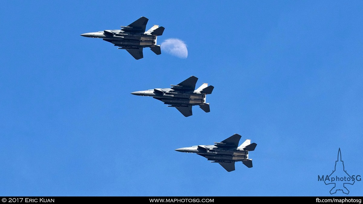 Formation of 3 RSAF F-15SG as they fly past the moon