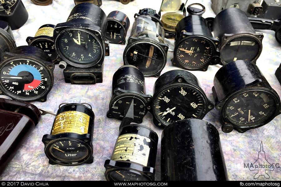 Aircraft gauges