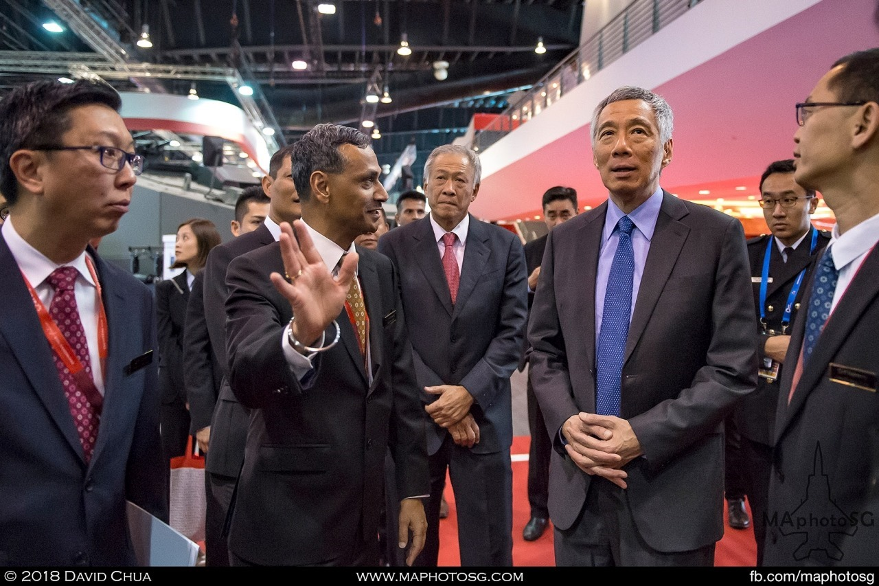 Prime Minister Lee Hsien Loong visits the Singapore Technologies Booth