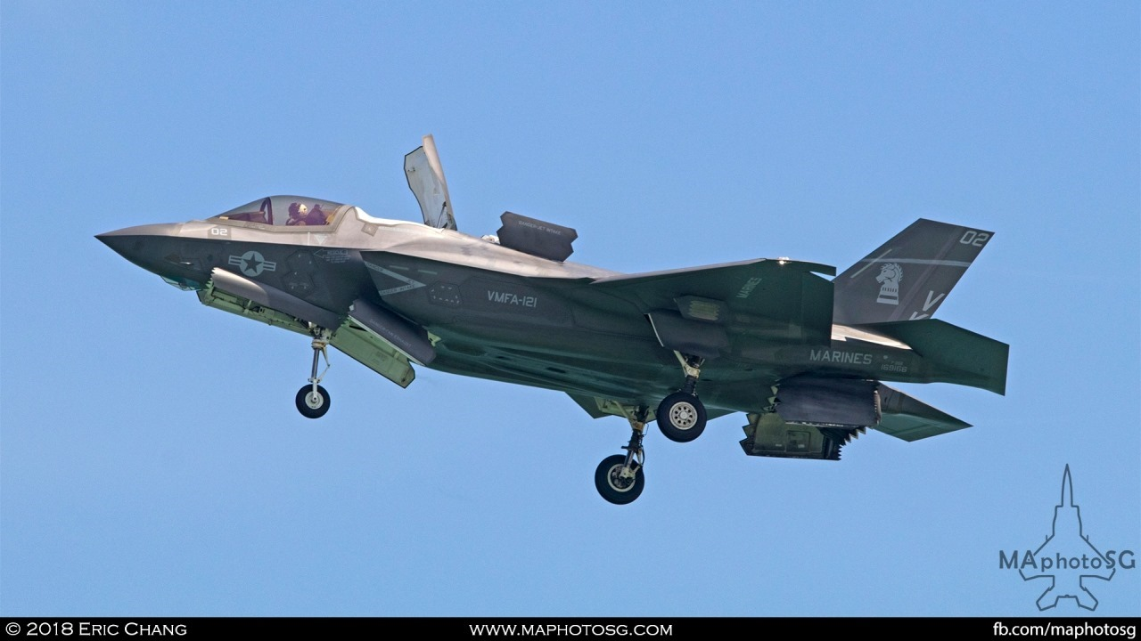USMC F-35B Lightning II of VMFA-121 landing at Changi International Airport for static display at the Singapore Airshow 2018