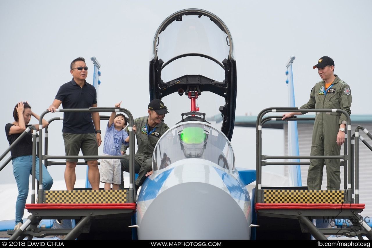 One of the crowd favourites for the cockpit picture, the RSAF50 F-15SG sees snaking queues of visitors keen on having picture with it.