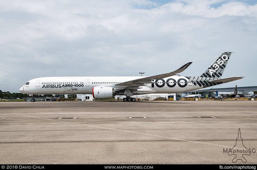 Airbus A350-1000 Carbon Livery