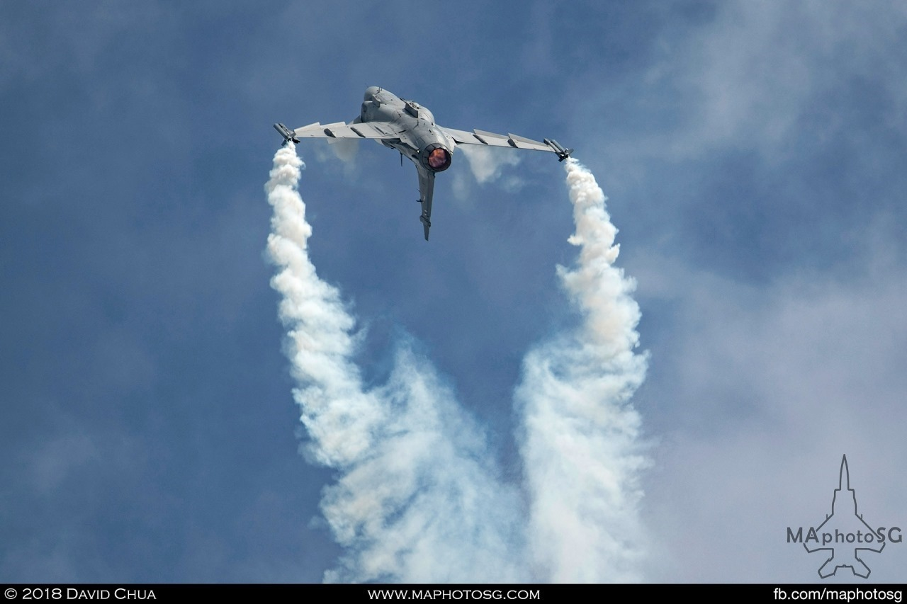 RTAF JAS-39C Gripen entertains spectators with its amazing smoke trails and agility