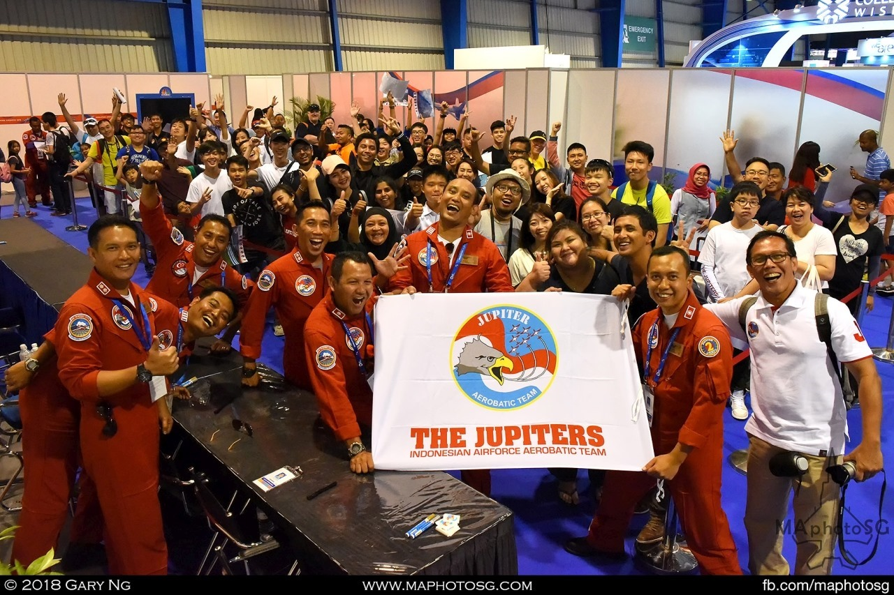TNI-AU Jupiters Team and their fans during the pilots autograph session