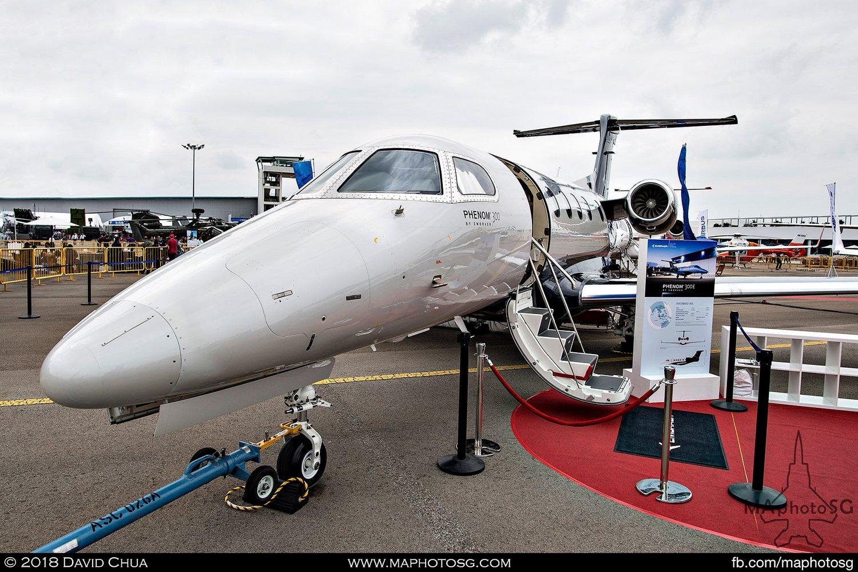 Embraer Phenom 300 (N9688R)