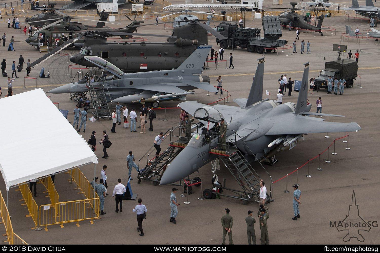 RSAF 149 Sqn Boeing F-15SG Strike Eagle (8315) and 145 Sqn Lockheed Martin F-16D+ Fighting Falcon (673)