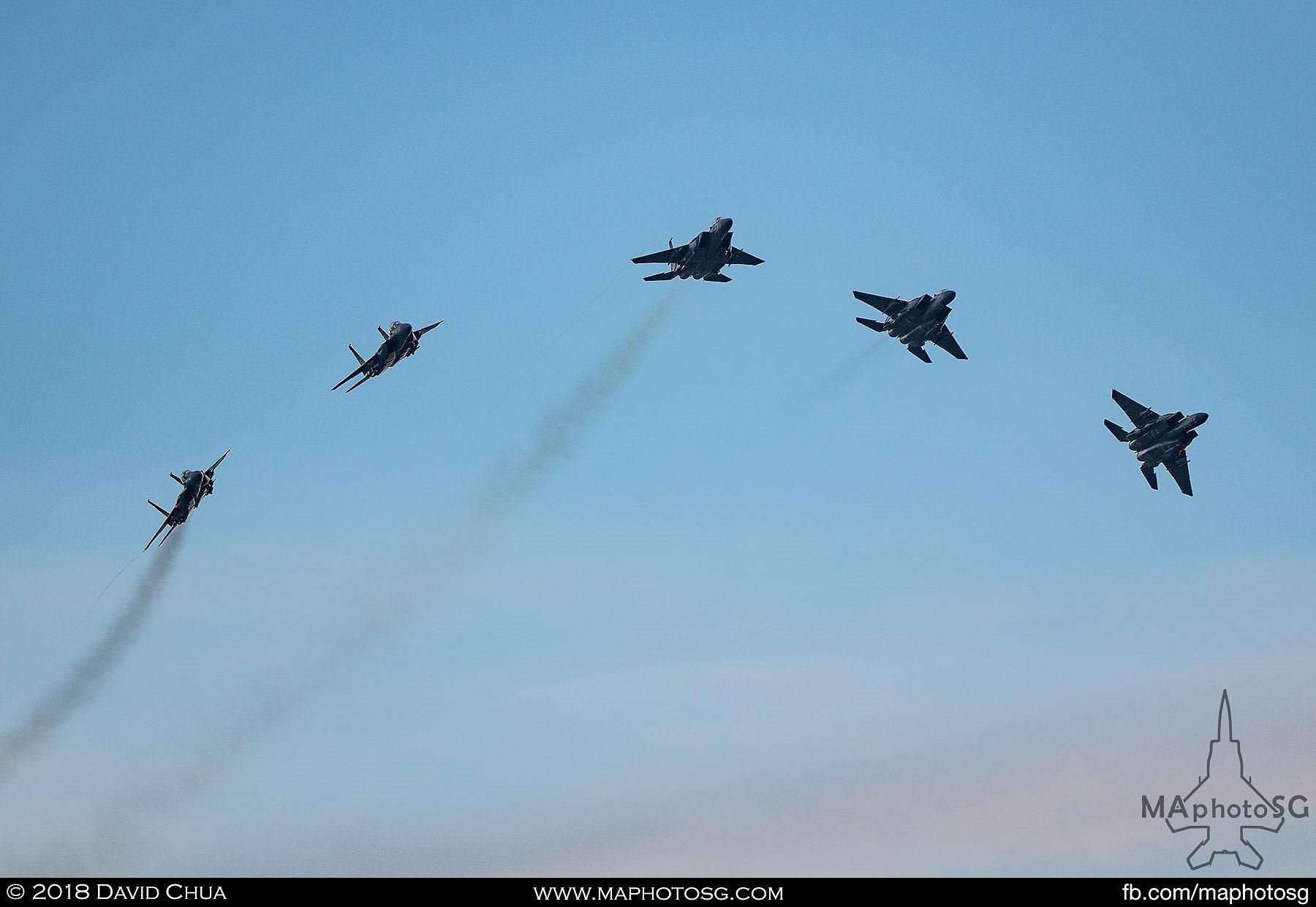 1851 – Five F-15SG Strike Eagles performs the Bomb Burst