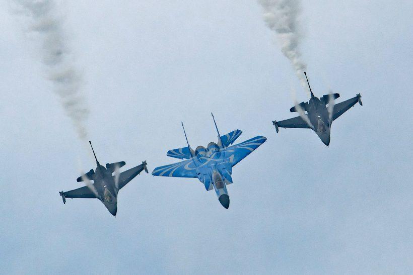 RSAF50 F-15SG and 2 F-16Cs