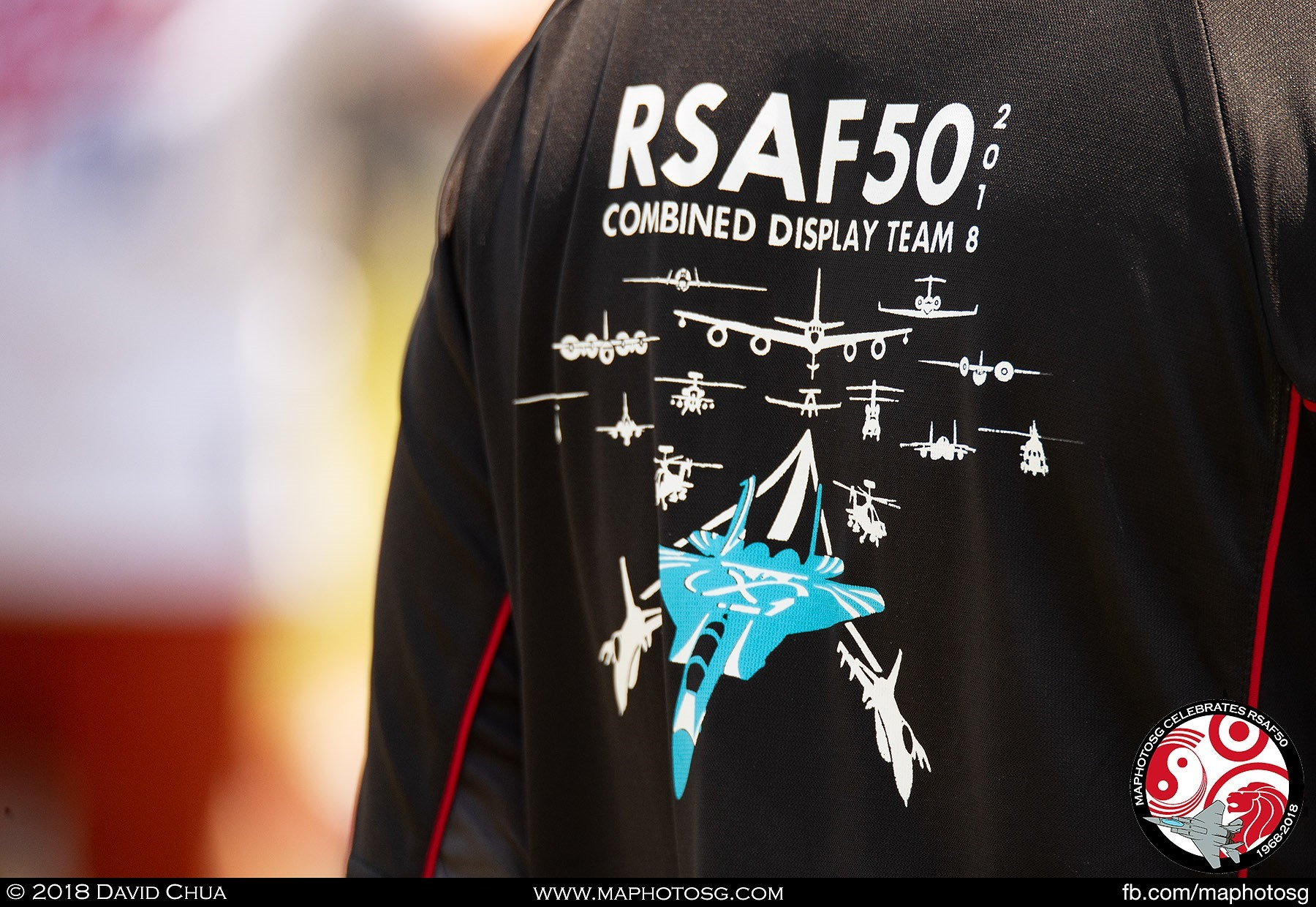 One of the many RSAF personnel supporting the event on site at the Marina Barrage wearing the aerial display team shirts.