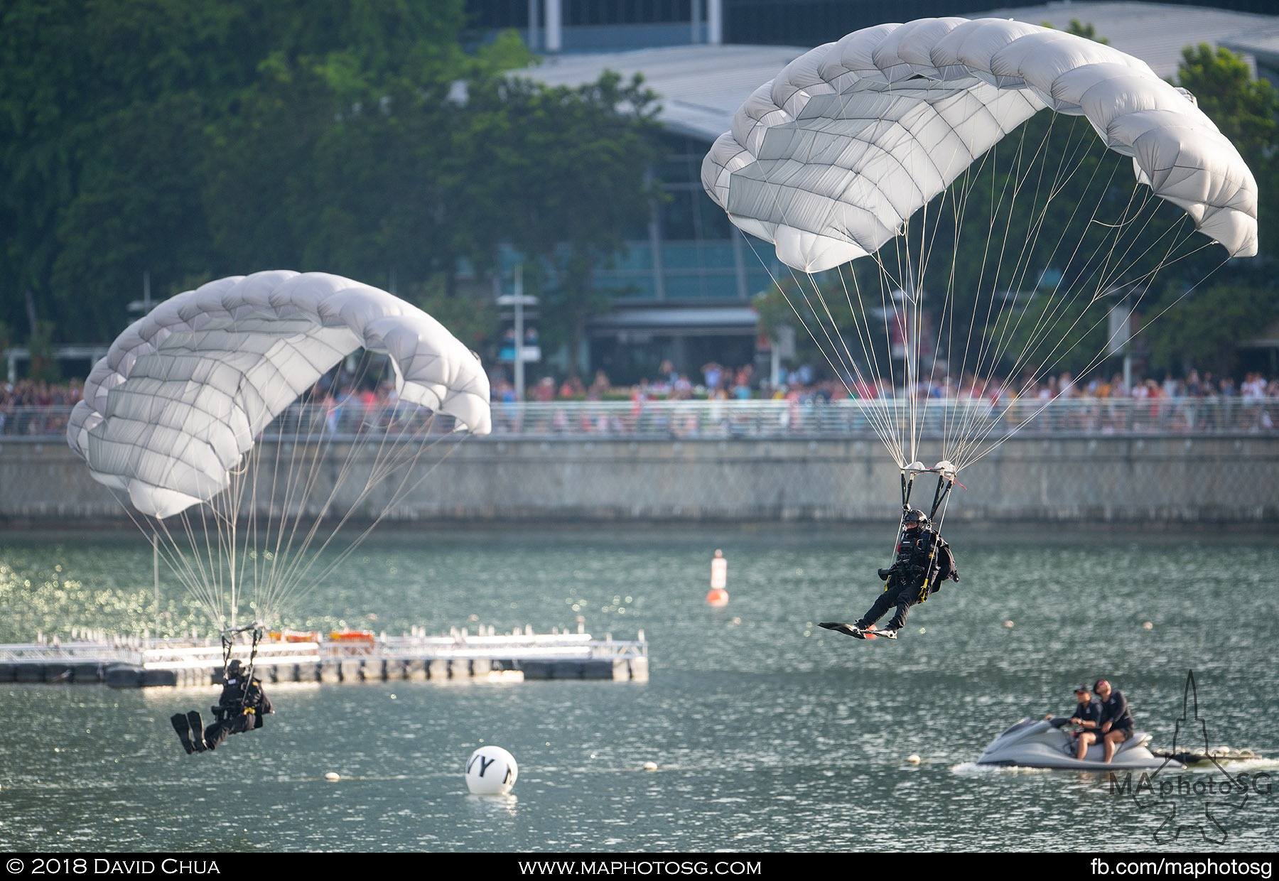 06. Two divers land into the waters around the Marina Bay floating platform.